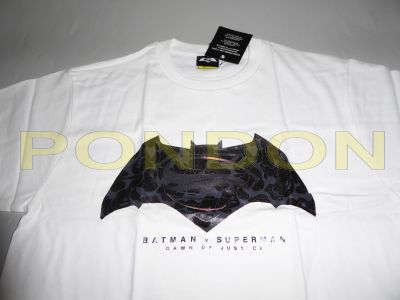 fd0bec2cdac6 A BATHING APE   BAPE x Batman vs Superman white black camo tee ...