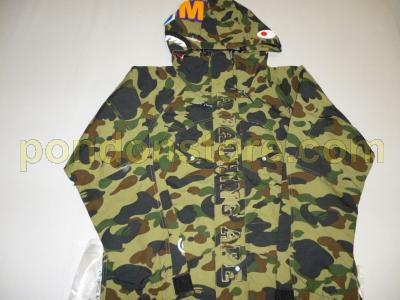 5586779c5d25 A BATHING APE   bape 1st camo green shark snow board jacket  Pondon ...