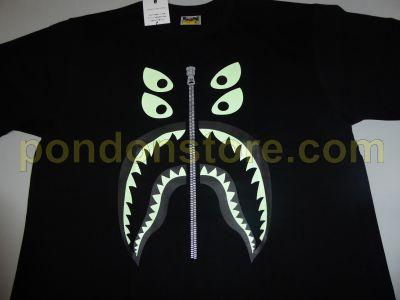 ea6f121e9 A BATHING APE : bape x bounty hunter mad shark black/glow tee ...